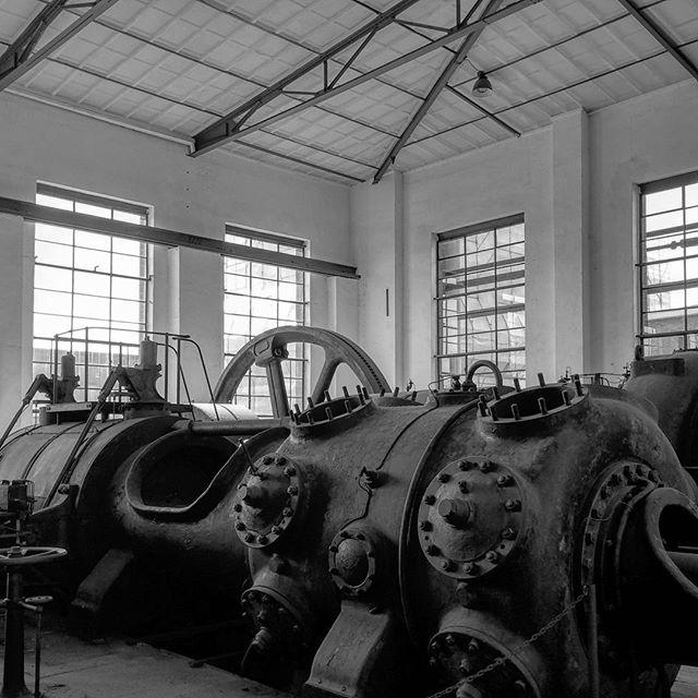 Kokerei Hansa#dortmund #kokereihansa #kokereihansadortmund #industriekultur #kompressorenhalle #gaskolbenkompressor #bw #blackandwhite #cokingplant #zeche #ruhrpott #industrialheritage