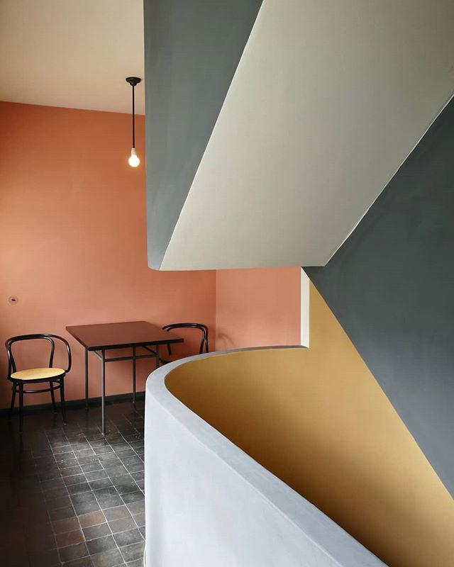 .......#lecorbusier #weissenhofsiedlung #stuttgart #unescoworldheritage #architecture #architecturephotography #colorfularchitecture #lecorbusierarchitecture #lecorbusierbauhaus #bauhaus