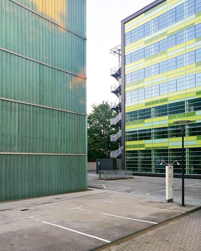 Shades of green#architecture #architektur #fassade #facades #Dortmund #doüberrascht #0231 #ig_nrw #nrw #germany #deinnrw #ig_deutschland #ruhrpott #ruhrgebiet #ig_germany #aktuellestunde #picoftheday #architecture #nature #photography #instagood #igersgermany #nrwinbildern